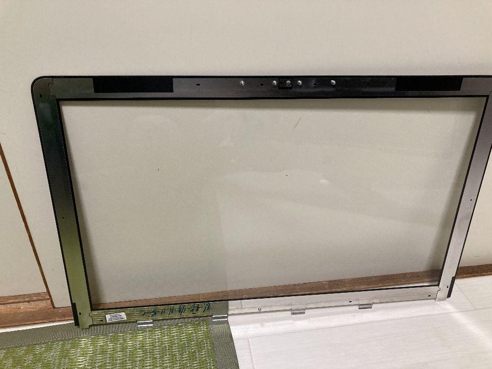 iMac Late 2009の前面のガラスパネルを取り外す